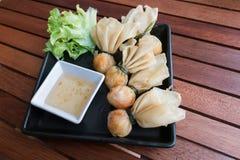 泰国食物样式:& x22; 金钱袋子或袋子gold& x22; 传统泰国 图库摄影