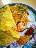 泰国食物,混乱油炸物海鲜细面条 图库摄影