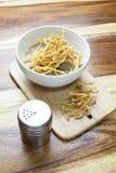 泰国食物:在小汤的油煎的面条 免版税库存图片