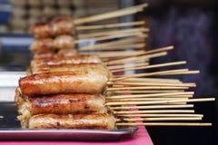 泰国香肠用竹棍子 免版税库存照片