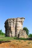泰国,平均观测距离在泰国Chaiyaphum的省的Hin Khao的巨石阵 库存照片