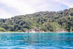 泰国,普吉岛海岛  岩石在离海的海岸的附近 库存照片