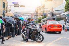 泰国,曼谷- 10月4 :一辆警察推进摩托车 库存照片
