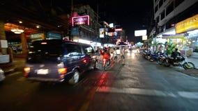 泰国,芭达亚, February2014,旅行由tuk tuk在晚上pov 传统出租汽车 影视素材