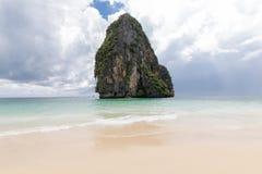 泰国,Pranang 甲米府,罗利半岛 在岩石的看法 免版税库存图片