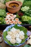 泰国细面条吃用咖喱 免版税库存照片
