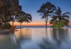 泰国 Ko张 旅馆张Buri在日落的手段水池 免版税库存照片