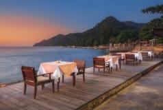 泰国 Ko张 旅馆张Buri在海滩的手段晚餐 库存照片