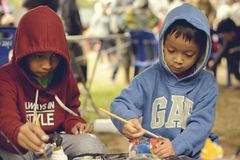 泰国` s全国儿童` s天-儿童` s天 普遍的活动是对上色模型的- Chiangmai 泰国-13 Janu 库存图片