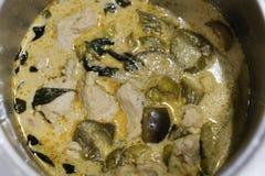 泰国fishballs绿色咖喱 免版税库存图片