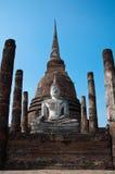 泰国Sukhothai菩萨寺庙离开了 图库摄影