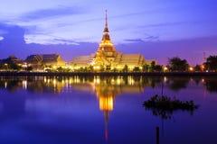 泰国tample反射 免版税图库摄影
