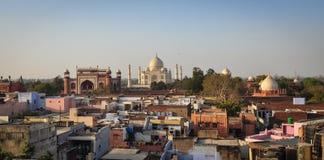 泰姬陵和阿格拉市鸟瞰图在印度 免版税库存图片