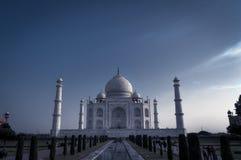 泰姬陵的全景从庭院的 印度 图库摄影
