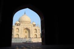 泰姬陵,从清真寺的阿格拉,印度视图 免版税图库摄影