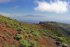 泰德峰,从戈梅拉岛的特内里费岛 免版税库存图片