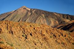 泰德峰3718 m 在特内里费岛,金丝雀是 免版税库存照片