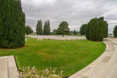 泰恩河在伊珀尔附近的轻便小床WW1公墓 免版税图库摄影
