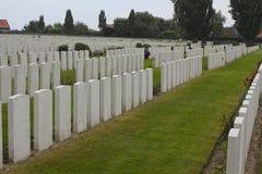 泰恩河轻便小床公墓坟墓,伊珀尔 免版税库存图片