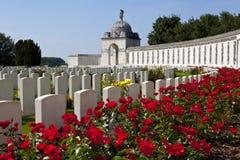 泰恩河Ypres的轻便小床墓地 库存照片