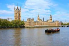 泰晤士在伦敦 免版税库存照片