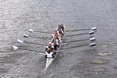 泰晤士在查尔斯赛船会人的主要Eights头赛跑  免版税库存照片