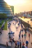 泰晤士河伦敦南银行太阳集合光的 免版税库存照片