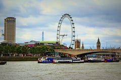 泰晤士河南银行地标伦敦 免版税图库摄影