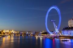 泰晤士河和伦敦眼,社论 免版税图库摄影