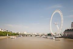 泰晤士河和伦敦眼,社论 免版税库存照片