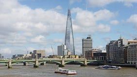 泰晤士河和碎片 库存图片