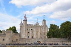 从泰晤士河的伦敦塔 库存照片