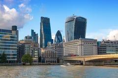 从泰晤士河,伦敦市的伦敦视图 图库摄影