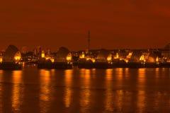 泰晤士障碍,伦敦英国-在晚上 库存照片