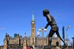 泰瑞・福克斯雕象在渥太华 库存照片