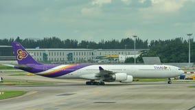 泰航空中客车A340-600方形字体喷气机乘出租车 图库摄影
