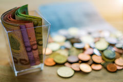 泰铢金钱钞票和硬币 免版税图库摄影