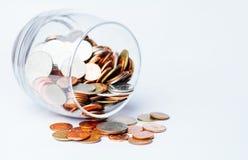泰铢铸造在玻璃瓶的金钱 库存照片