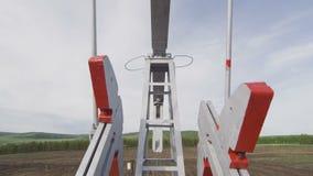 泵浦杰克零件转动萃取物自然油特写镜头 股票录像