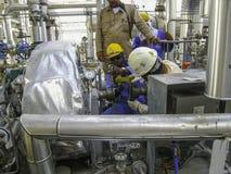 泵浦维护在石油&气体加工设备中 库存照片