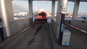 泵站卡车的气体高速公路 股票录像
