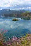泸沽湖在云南中国 免版税库存图片