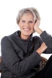 活泼的老妇人 免版税图库摄影