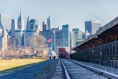 泽西,新泽西- 2013年12月28日:与泽西和老火车站的都市风景 免版税库存图片