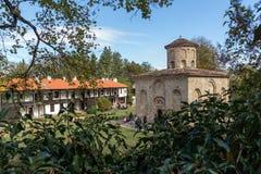 泽门,保加利亚- 2016年10月9日:中世纪泽门修道院,保加利亚惊人的看法  库存照片