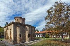 泽门,保加利亚- 2016年10月9日:中世纪泽门修道院,保加利亚惊人的看法  图库摄影