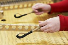 洋琴被锤击的仪器音乐会 图库摄影