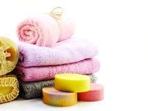 洗涤的温泉辅助部件用果子用肥皂擦洗并且淋浴奶油色卫生间产品 库存图片