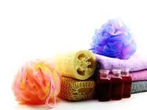 洗涤的温泉辅助部件用果子用肥皂擦洗并且淋浴奶油色卫生间产品 库存照片