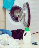 洗衣店和不同的洗涤的洗涤剂 免版税库存图片